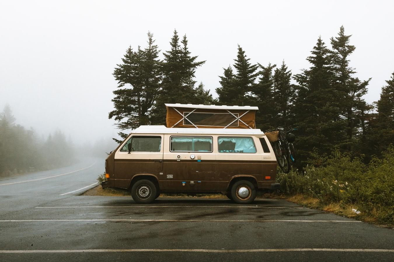 雨の日のキャンプ